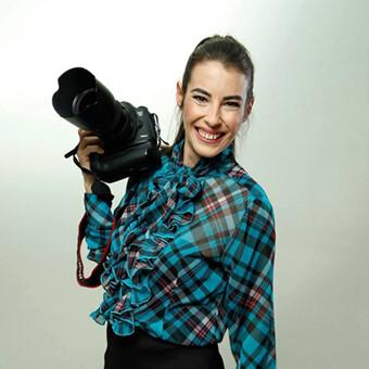 Fotógrafo en Madrid, Sara Iglesias en el estudio de fotografía de Madrid Cubo.